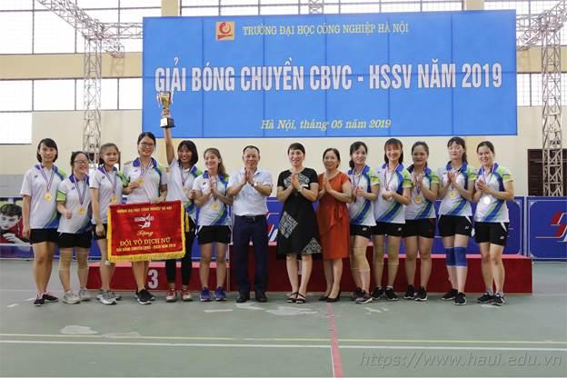 02 đội tuyển liên quân khoa Điện đều đạt thành tích cao tại Giải bóng chuyền cán bộ, viên chức, sinh viên cấp trường năm 2019