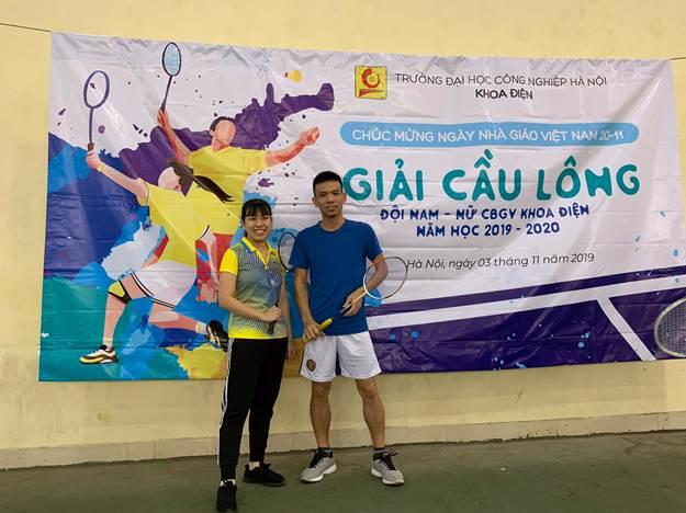 Khoa Điện tổ chức thành công giải cầu lông đôi nam nữ CB-GV năm 2019