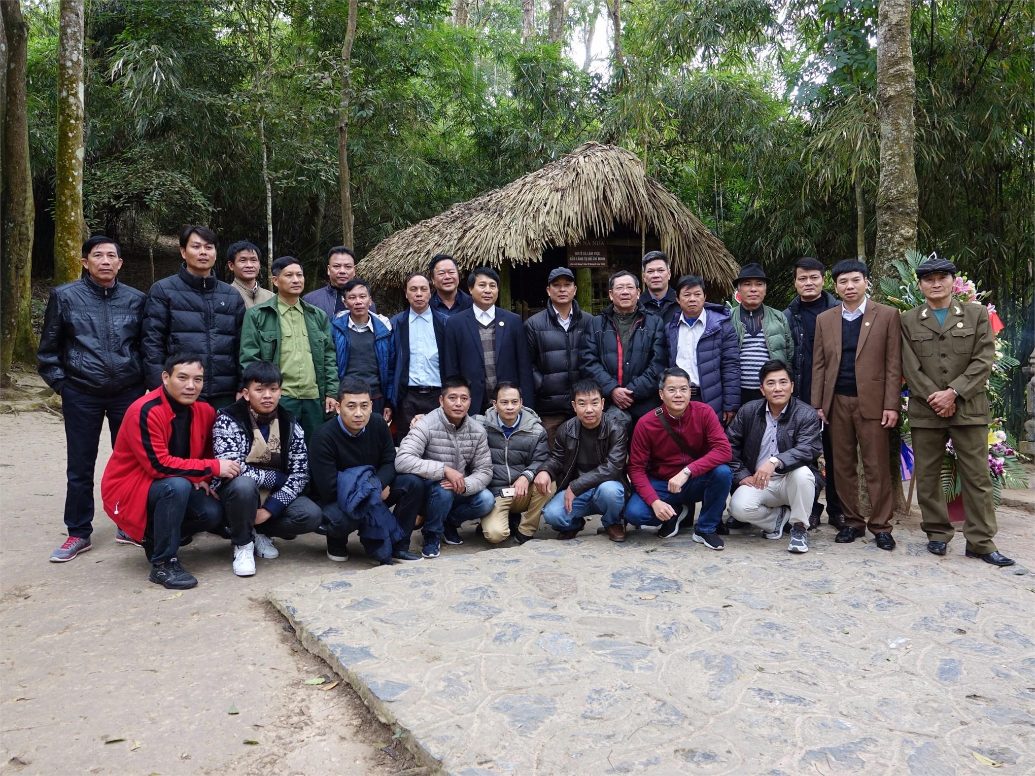 CCB-CQN khoa Điện dự hoạt động truyền thống kỷ niệm 75 năm ngày thành lập QĐND Việt Nam do Hội Cựu chiến binh nhà trường tổ chức