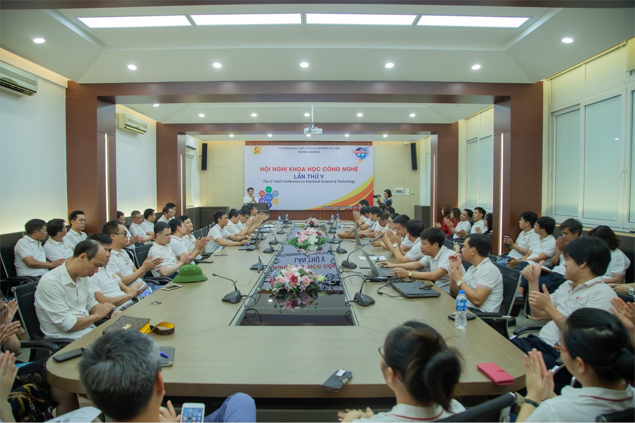 Hội nghị Khoa học Công nghệ khoa Điện lần thứ V thành công tốt đẹp