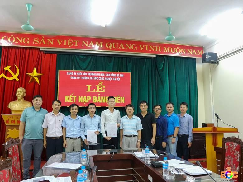 Chi bộ khoa Điện kết nạp đảng viên mới và sinh hoạt định kỳ tháng 8 năm 2020