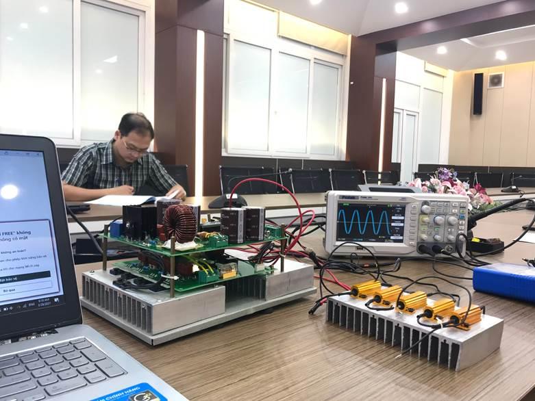 """Nghiệm thu cấp đơn vị đề tài NCKH cấp trường: """"Nghiên cứu thiết kế, chế tạo mô hình máy biến áp điện tử 1 pha có khâu trung gian tần số cao"""""""