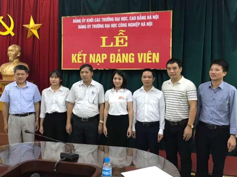 Chi bộ khoa Điện kết nạp đảng viên mới và sinh hoạt định kỳ tháng 9/2020